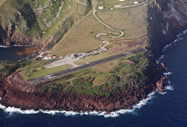 Juancho E. Yrausquin Airport, Saba