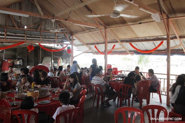 15 Restoran Asam Batu Laut01